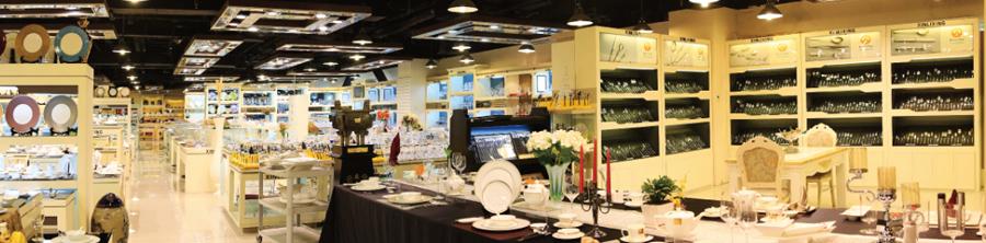 展厅刀叉与玻璃展示区域