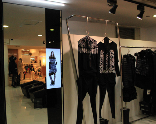 Picture of 34inch——70inch the digital signage for clothing store