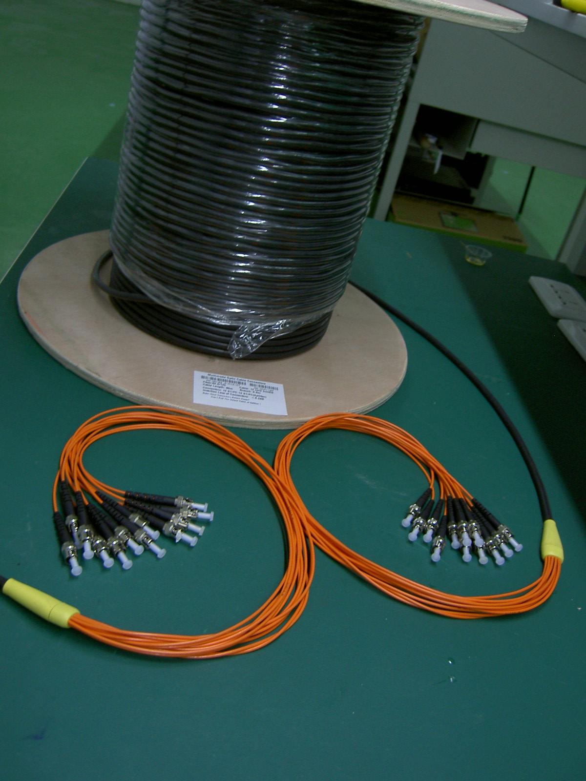 12芯室外光缆连接器分支(12 Cores Outdoor Cable Branch Connectors)