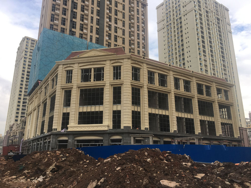 云南昆明恒大名都A2地塊公寓樓GRC線條工程