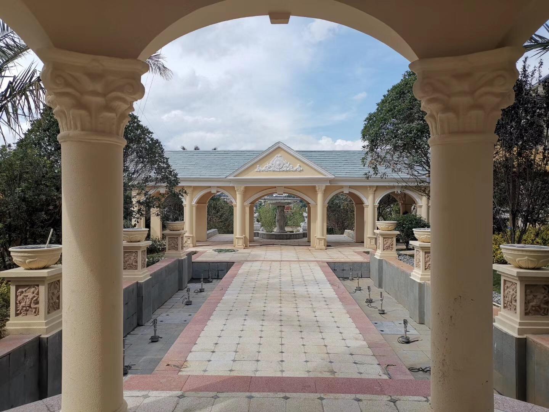 云南昆明亿壕城堡温泉酒店户外泡池区景观及步行街GRC及EPS工程