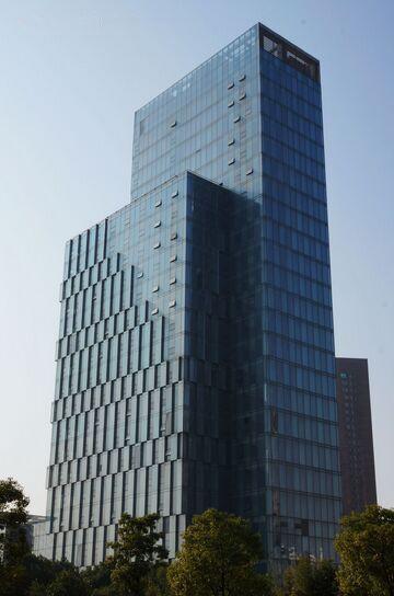 新龙集团·红谷滩新龙大厦