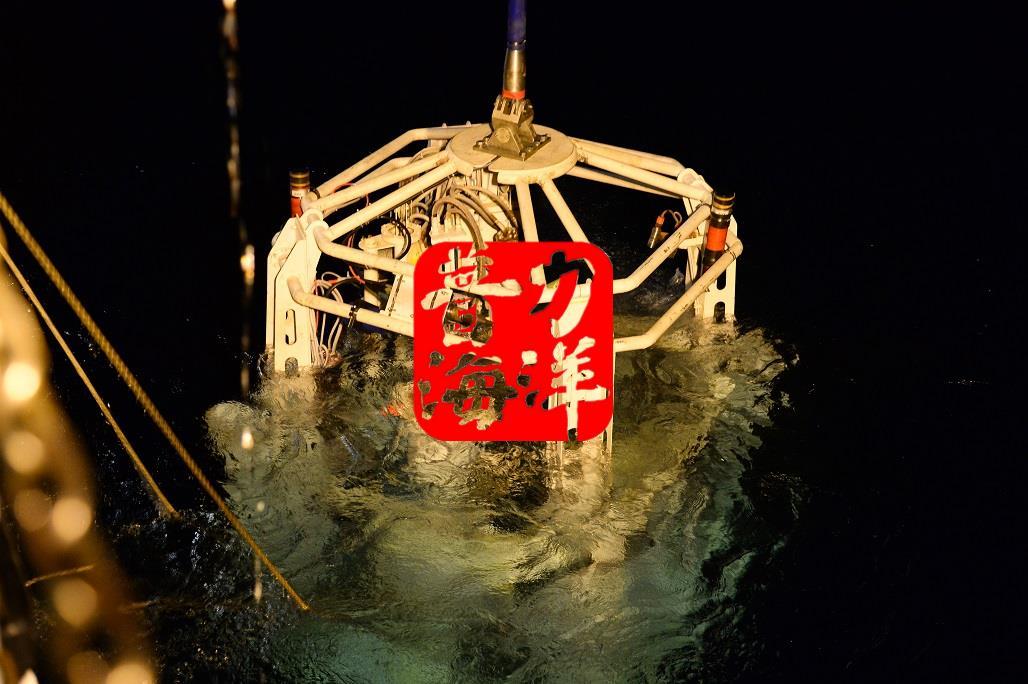 深海岩心取样钻机