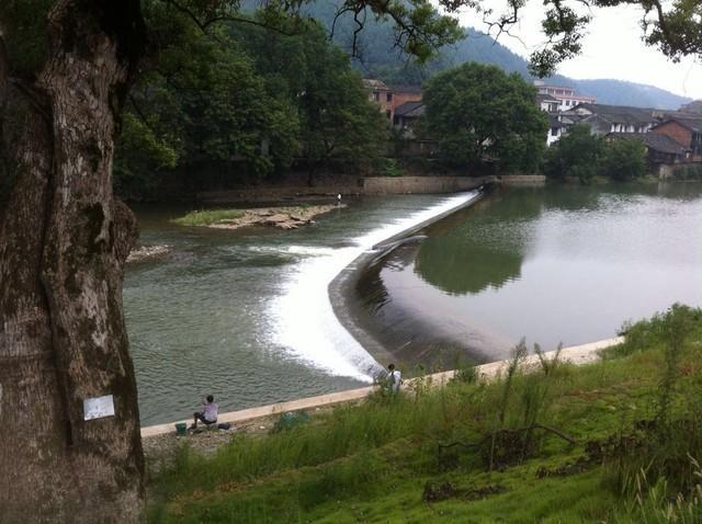 出湖入湘·何汶玦艺术创作基地定东门古镇