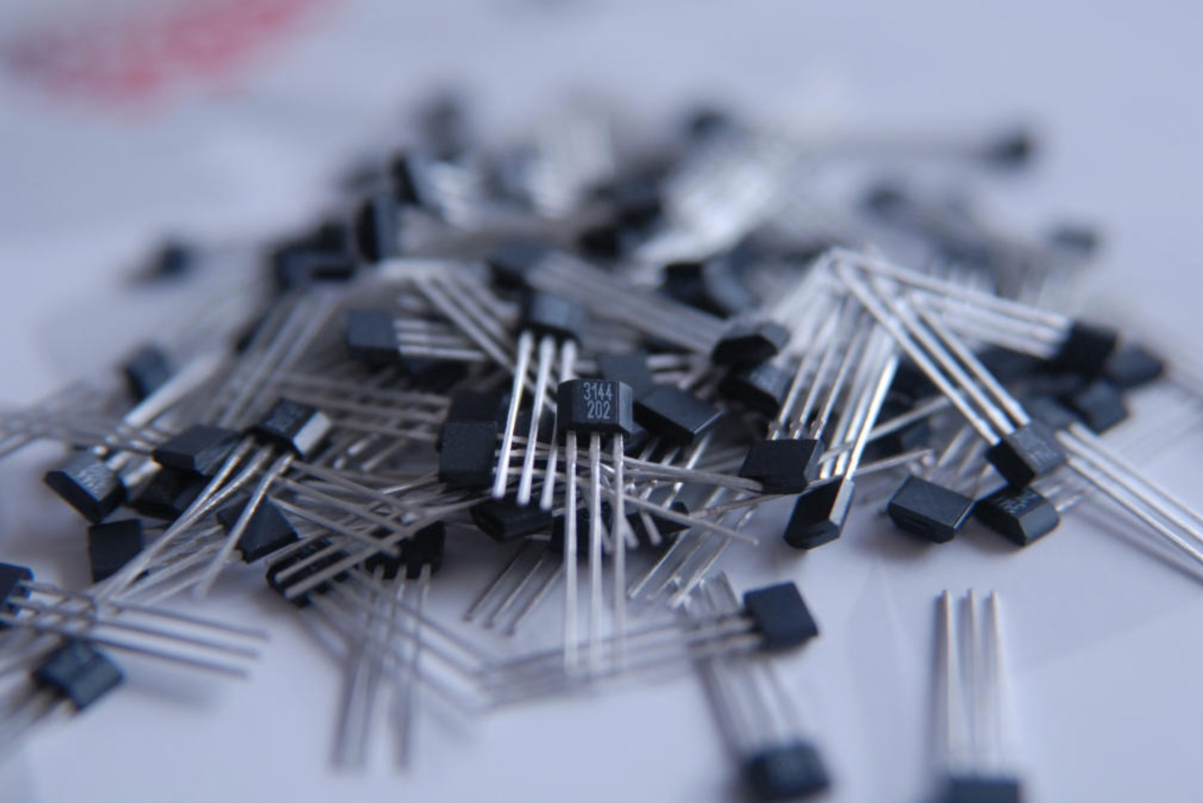 3144系列 单极霍尔集成传感器