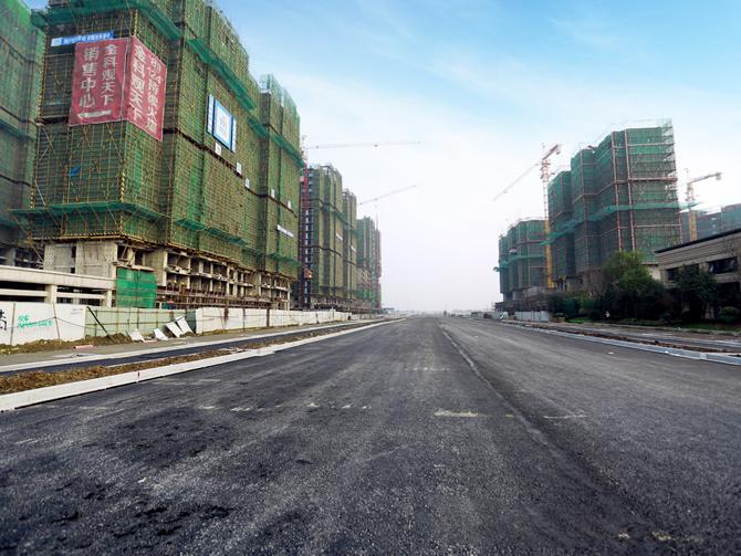 高铁新城青龙港路