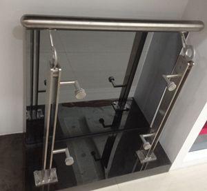 不銹鋼護攔 來圖定制各種不銹鋼扶手