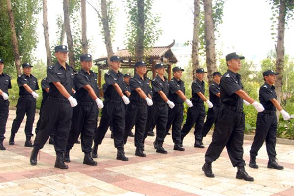 保安小组巡逻