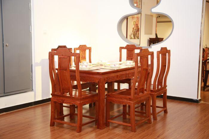 餐桌七件套4