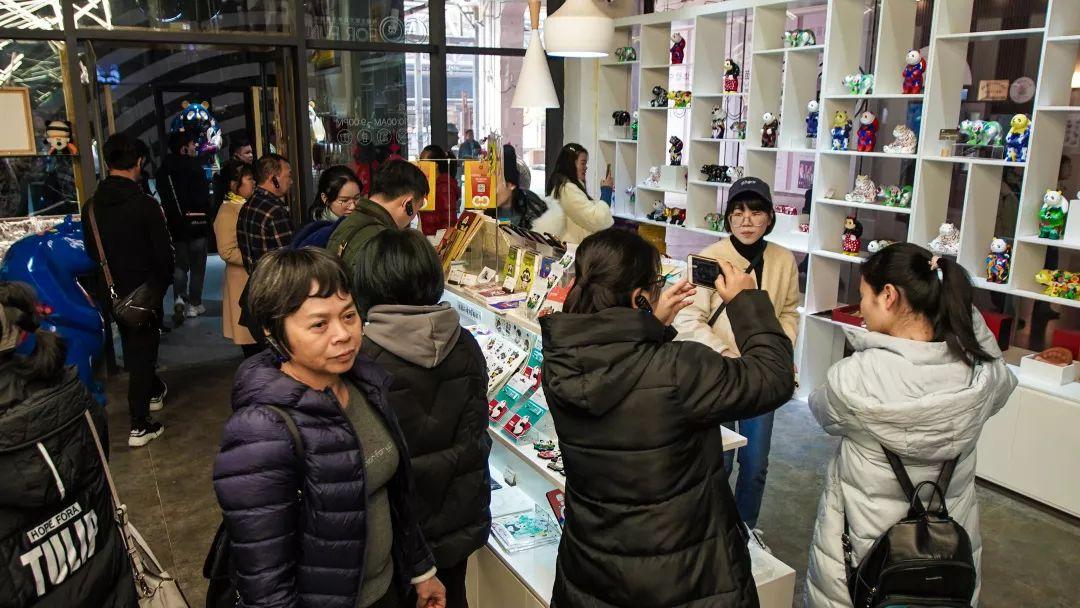具有中国特色的东西_打造具有地方特色的熊猫文化,广西钦州市宣传部领导一行前往 ...