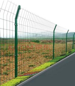 过塑围栏网
