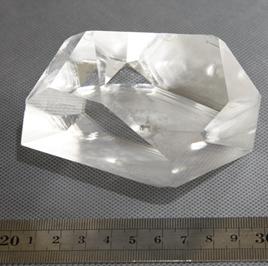 LBO晶体