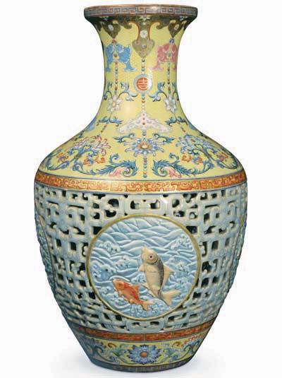 元天价花瓶创纪录 据称买家为中国人