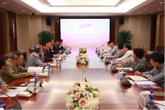 上海市委副秘书长朱咏雷调研中国(上海)网络视听产业基地