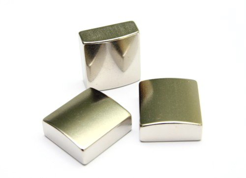 面包形钕铁硼磁体