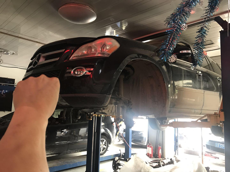 奔驰GL450发动机大修中解决烧机油及性能下降  更换活塞  气门油封及大修包