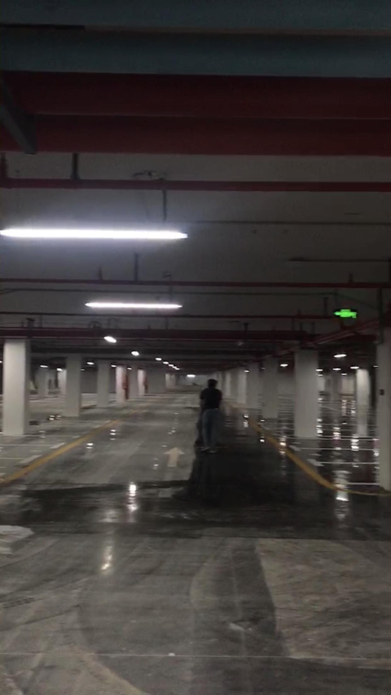 汕头华润地下车库开荒保洁