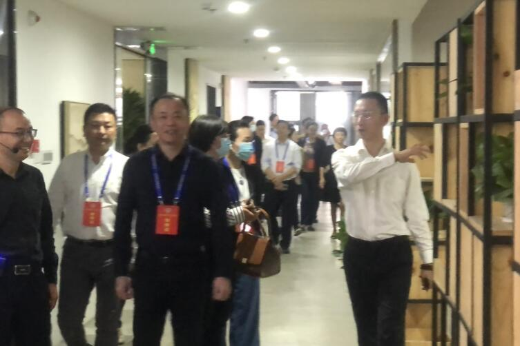 市政协副主席林澄领导一行莅临九天达调研指导工作